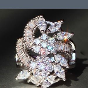 BN Gorgeous Ring w Solid 9.25 Sterling & sapphire